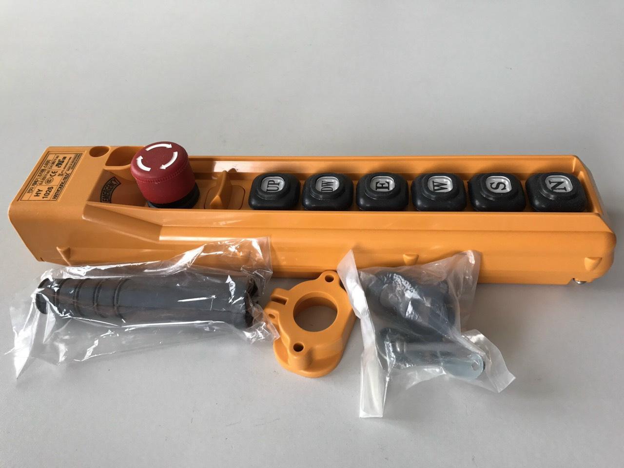 tay bấm điều khiển cầu truc có dây h1026