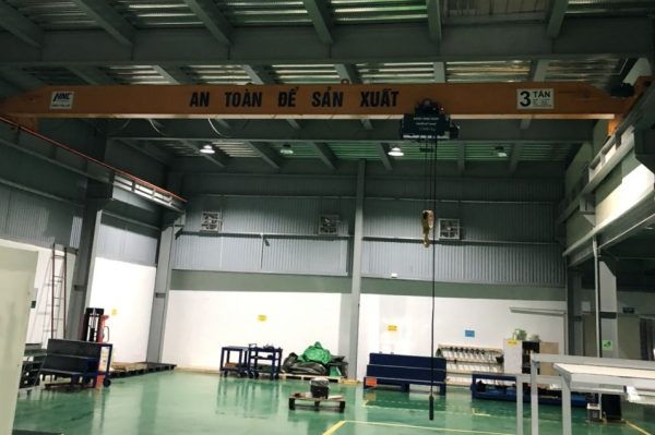 cầu trục dầm đôi 3 tấn nâng hạ khuôn mẫu tại Vĩnh phúc