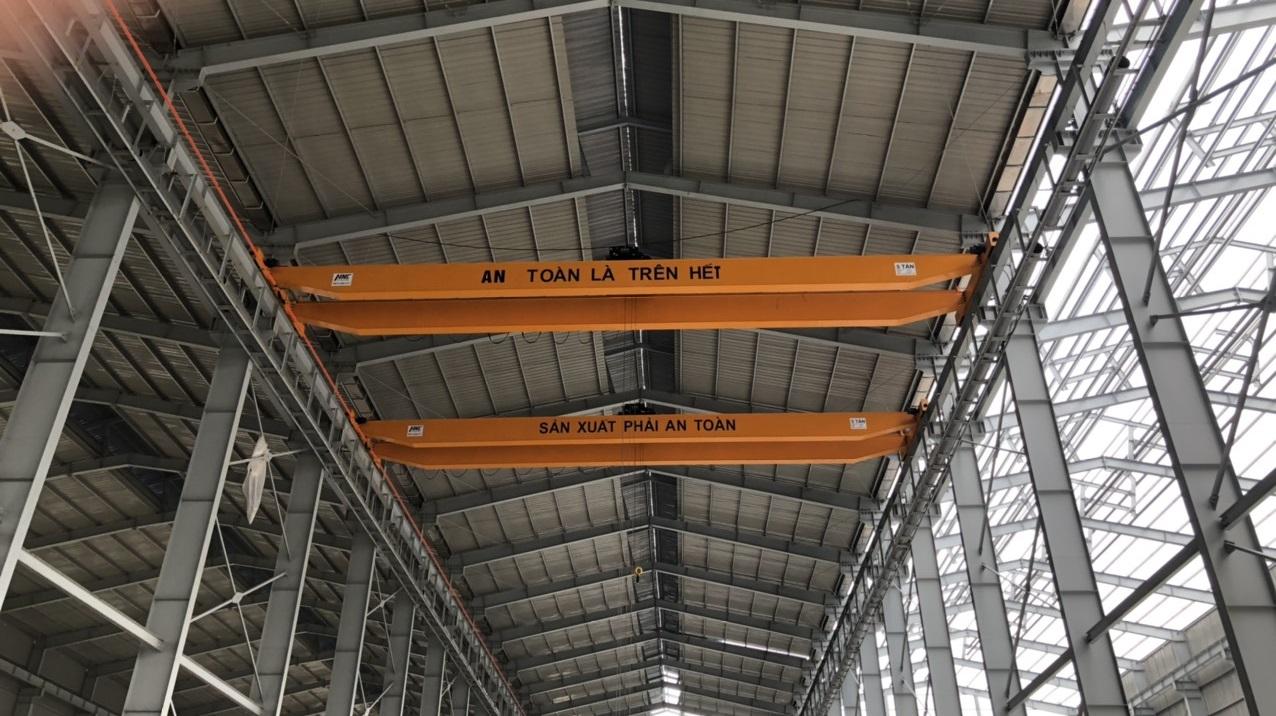 cầu trục dầm đôi 5 tấn nâng hạ khuôn nhựa thái bình