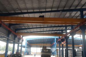 Cầu trục dầm dôi 5 tấn nâng hạ khuôn mẫu tại Bắc Ninh