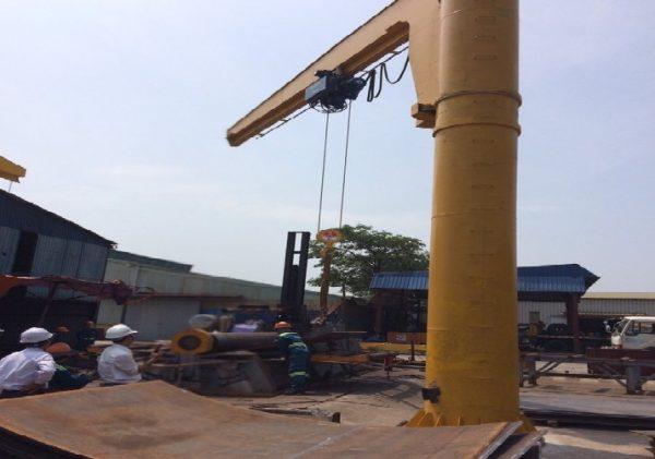 cầu trục quay 5 tấn bắc ninh